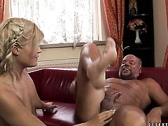 Blonde has great dick sucking experience and expands it with hard dicked fuck buddy