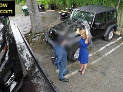 Busty amateur babe gives bj for towed car