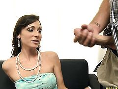 Brunette chica Vanessa Sixxx turns guy on to make him squirt the load out