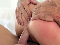 Visit official Paper Street Network's HomepageBlondie amazes with her very tight pussy after letting this fine man to shag her in a wide variety of positions, all until her face and boobd fully covered in jizz