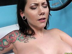 Brunette is in need of sexual pleasure after tugjob