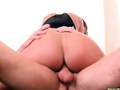 Levi Cash uses his rock solid tool to make blowjob addict Brunette Madison Rose with big ass and smooth beaver happy