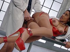 Visit official Brazzers Network's HomepageAstounding ebony nurse, Jenna J Foxx, gets working with the doc's big cock by sucking it and having sex in real scenes of jaw dropping interracial xxx