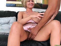 Brannon Rhodes buries his hard rod in lustful Holly Marie Bryns mouth