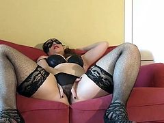 Milf in black lingerie - Dirty panties