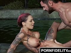 PORNFIDELITY Charles and Anna Bell Peaks Fuck in the Neighbors Pool