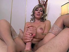 Horny Stepmom Zoey Holloway
