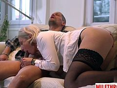 Hot mature threesome with cumshot