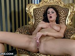 Dana Weyron makes her thighs tremble as she massages her clit!