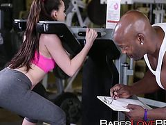 Giant black prick made Tiffany Star sweat in the gym