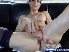 Blonde shemale with huge racks had a different way to please herself and that is by punishing her dick and insert it in her own ass hole. You heard it right she can manage to insert her own dick in her own ass hole. While her body and dick and ass hole is wet with oil she uses it as lubricant and forcefully she bend her dick pretty hard and fit it in to her ass fucking hole.