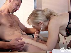 Amazing blonde Karlie Simon fucking hard a huge cock on descktop in the office
