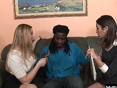 They decide to see if they can suck their way out of paying. The poor brunette and blonde both end up getting throated and facialed but, from the look on their faces, theyre enjoying this interracial hardcore threesome.