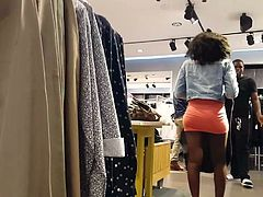 Candid voyeur ebony in tight short skirt booty
