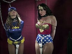 Wonder woman & Batgirl