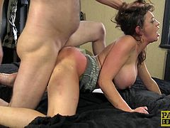 Handsome guy gets his dick satisfied by smoking hot Vicki Powell