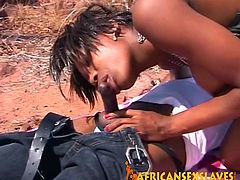 This kinky ebony doll loves when the sun beats down on her skin while she does dirty stuff outdoors.