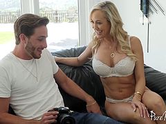 Tantalizing big boobs of Brandi Love dive young photographer crazy
