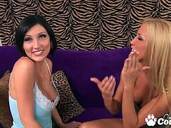 Perfect body Cassie Young and Mindy Main rubbing her pussies and dildoing hard