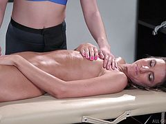 Captivating client Tara Ashley is fucked by sensual and skilled masseuse