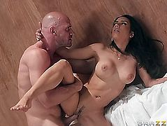 Breasty tia cyrus acquires trimmed muff nailed by johnny sins