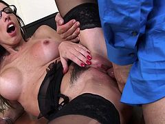 dava-foxx-keeps-her-job-by-fucking-her-boss-HD