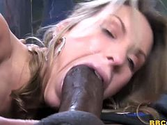 Courtney Cummz Gets Stretched By A BBC
