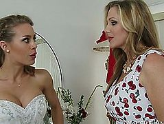 Julia ann caught her stepdaughter nicole aniston cheating on her spouse-to-be