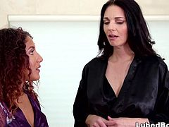 Intern has first time with her lesbian boss Mindi Mink