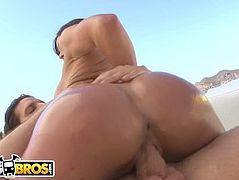 BANGBROS - Kendra Lust Is A Sexy White Girl With A Big Ass! Gad dayuuummmm.