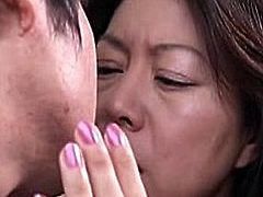 http://img3.sexcdn.net/0t/mr/t1_japanese_couple.jpg