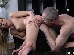 Old mom fucked hard first time It was a sunny day and