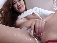 Amazing Wettest Asian Teen Pussy