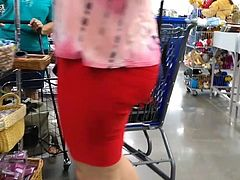 PLumP BuBBLe CHeeKs MaTuRe LaTinA in ReD SHorTs SPanDeX (5)