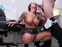 Team Fuck confessions tana lea finds herself an office fuck buddy