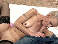 skinny mature knows how to suck