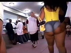 MAN LOok At THIS AZZ are your FOR REAL GIRL!!!!