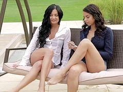 AGirlKnows - Czech Keira and Ferrera Gomez licking pussies outside the house