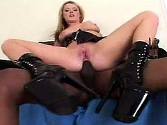 Blonde milf with big boobs get anal fun
