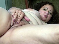 This delicious mature chubby girl plays her gorgeous pussy