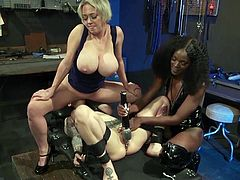 While Ana Foxxx caresses Arabelle's pussy with the vibrator, Dee Williams sits on the brunette milf's face. This hot interracial lesbian threesome will instantly drive you crazy, pull your dick out of your pants and have fun!