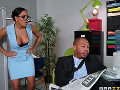 Ricky Johnson knows a great way to calm and get the favor of his bitchy boss, his main weapon is his big black cock. The sexy babe is surprised by the size of his dick and happily puts it between her soft tits and then between her wet pussy lips... Join and have fun!