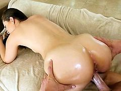 Awesome brunette Kate Alton enjoys beaver stretch